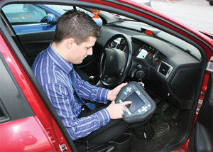 Automotive-Locksmith-Training-0312